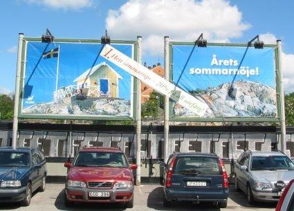 2st banderoller på infotavlorna.Här kan kunden byte ut sitt budskap till tex. jul, sommar o.s.v.