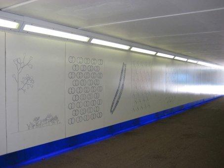 Exempel på emaljkassetter med motiv i 4-färg till gångtunnel. Maxmått 1400x2700mm.