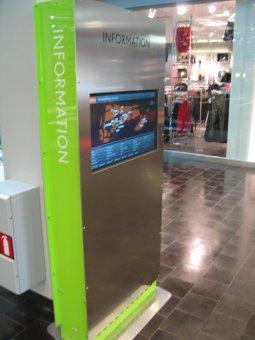 Informationsportal med LCD skärm.