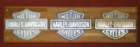 Harley Davidsson MC. Aluminium och bronsgjutna skyltar.