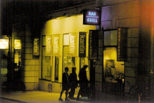 Bar & Grill: Dubbelsidig neonskylt.